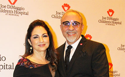 Gloria Emilio Estefan Honored With Joe Dimaggio American Icon Award 2017