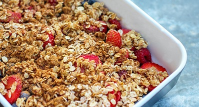 oats and berries in baking pan